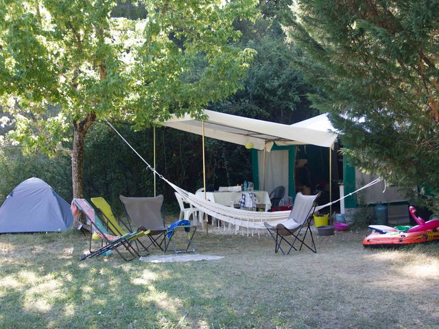 Furnished bungalow tents